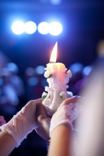 Световое оборудование просто необходимо, если хотите создать атмосферу волшебства и праздника!